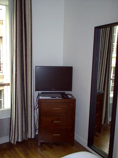 Paris apartment has WiFi, cable tv, and phone calls to many countries included.